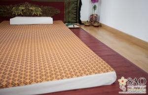 Sao masajes. Masaje tradicional tailandés. Colchoneta